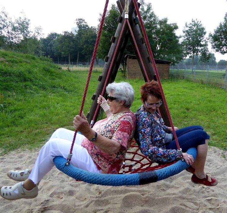 old-ladies-1166741_960_720
